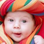 havluya-sarilmis-bebek